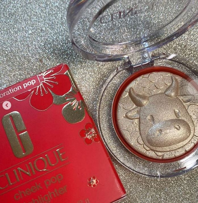 Classic Cheek Pop Highlighter for the Lunar New Year 2021 - Year of the Ox