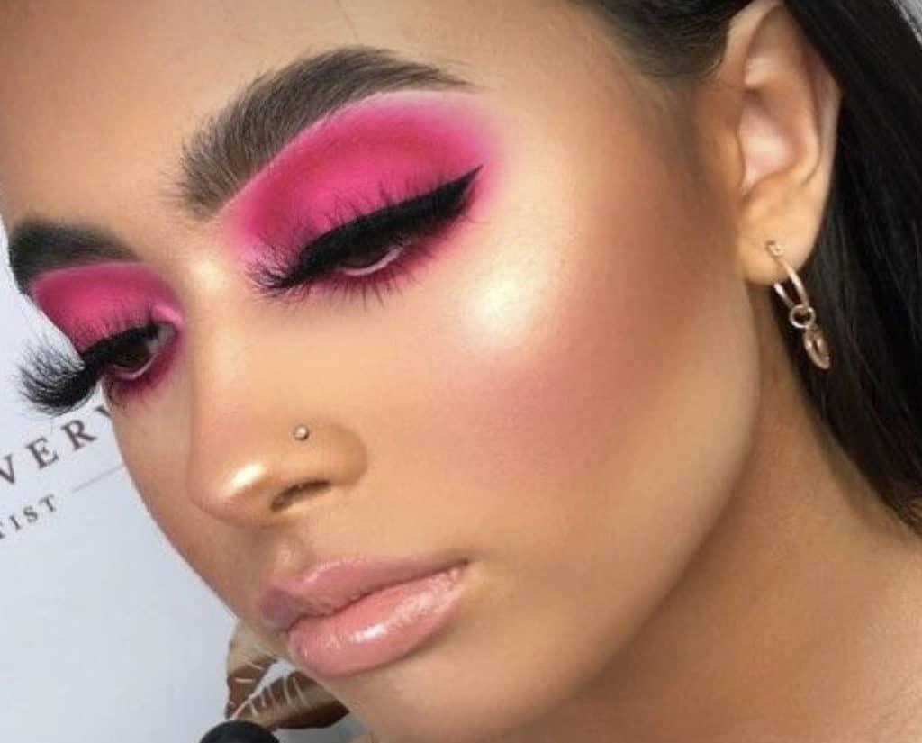 Hot pink eyeshadow club makeup look